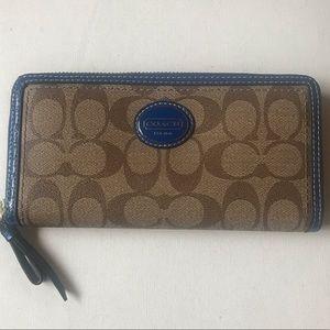 Coach zippered Wallet